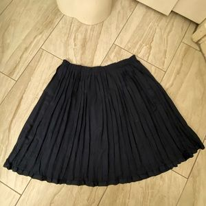 Gap pleated mini skirt. Size 4